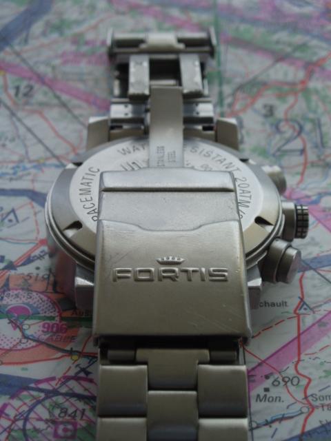 Les montres  !  CB  !  Lire la page 1.  Horlogerie  - Loisirs ... c6a63c3f554